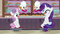 Rarity eating giant ice cream sundaes S7E6