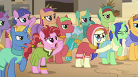 Somnambula villagers booing Daring Do again S7E18