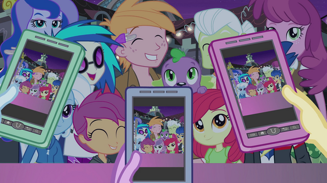 File:Supporting characters smile for the camera EG2.png