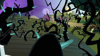 Sweet Apple Acres covered in vines S4E01
