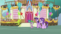 Thorax zooming off-screen S7E15