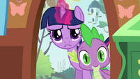 Twilight and Spike peeking inside S03E13