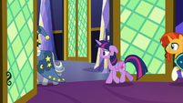 Twilight and Sunburst following Star Swirl S7E26