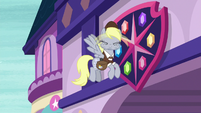 Derpy shaking off her dizziness S8E25