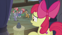 Limestone gestures for Apple Bloom to leave S5E20