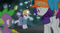 Maud Pie lightly kicks the cave wall S7E4