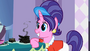 Rarity and Sweetie Belle's mom S2E5