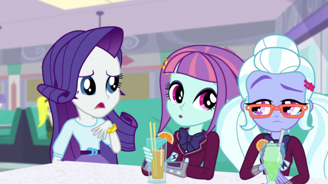 File:Rarity sits next to Sunny and Sugarcoat EGS1.png