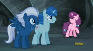 S05E02 Night Glider, Party Favor i Sugar Belle po odzyskaniu swoich znaczków