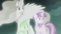 "Twilight Sparkle worried ""but then again"" S7E1"