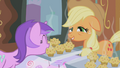 Amethyst Star gets a muffin S1E04.png