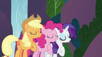 Applejack, Pinkie Pie and Rarity singing S3E2
