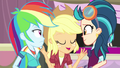 "Applejack ""alright, everypony"" EG3b.png"