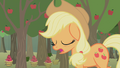 Applejack dozing off while walking S1E04.png