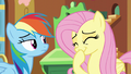 Fluttershy giggles S5E5.png