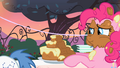 "Pinkie Pie cake frosting ""what""? S2E9.png"