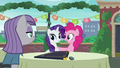 """Pinkie acting """"You are very welcome, Rarity!"""" S6E3.png"""