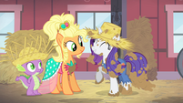 Rarity and Applejack make amends S4E13