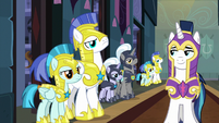 Royal guards at attention before Shining Armor S9E4