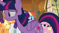 Twilight pacing in front of her friends S9E2