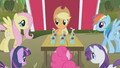 Applejack with the ponies S01E04.png