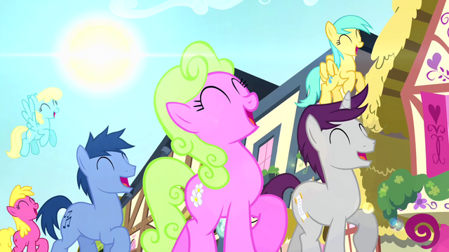File:Crowd of ponies trotting and singing S4E12.png