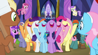 Mane Six sing in the middle of the crowd S7E14