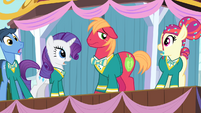 Other Ponytones shocked S4E14