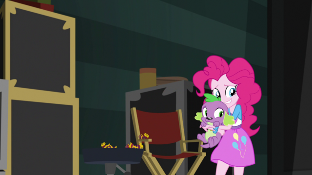 File:Pinkie Pie and Spike back out of the buffet area EGS2.png