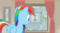 Rainbow looks at Ahuizotl's book signing S9E21