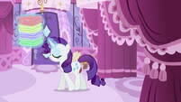 Rarity using magic S2E23