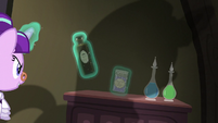 Snowfall grabs two potions S06E08