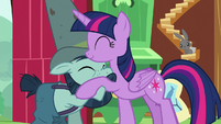 Twilight Sparkle hugging Big Daddy McColt S7E5