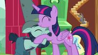 Twilight Sparkle hugging Big Daddy McColt S7E5