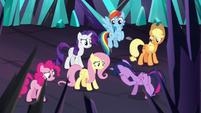 Twilight Sparkle overcome with guilt S9E2
