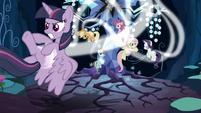 Fake Twilight and clones caught in light magic S8E13