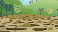 Multitude of holes at Sweet Apple Acres S5E3