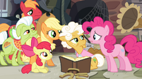 Pinkie Pie 'Am I not an Apple after all' S4E09
