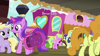 Ponies at the Ponyville train station S8E6
