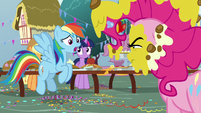 "Rainbow Dash ""it's Opposite Day?"" S7E23"