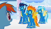 S01E16 Wonderbolts przylatują do Rainbow