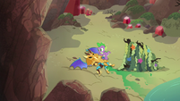 Spike and armored dragon on the beach S6E5