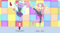 Sugarcoat and Fluttershy perform street ballet EGS1