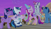 Twilight Sparkle and her family laughing together S7E22