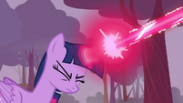 Twilight firing magic beam S4E16