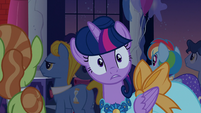 Twilight notices the oozing doorway S5E7
