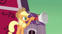 Applejack testing the microphone S3E08