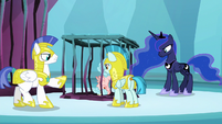 Guards imprison Cozy Glow in Tartarus S8E26