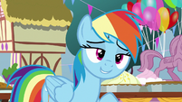 Rainbow Dash pretending to be innocent S7E23