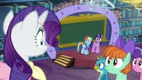 Rarity sees Rainbow at front of the class S8E17
